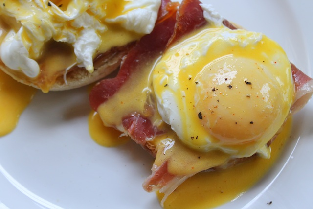 Eggs Benedict – The Yummy Truth